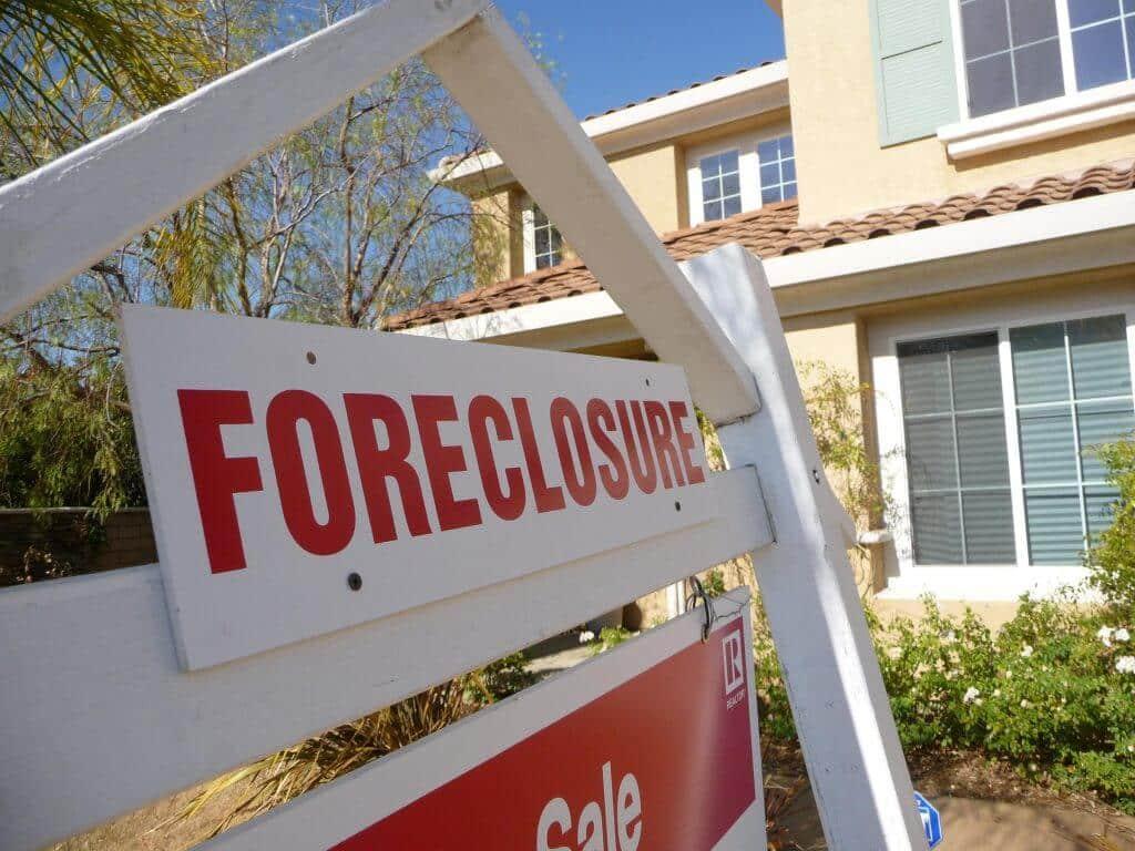 Foreclosure notice of default in Michigan, cash buyers macomb